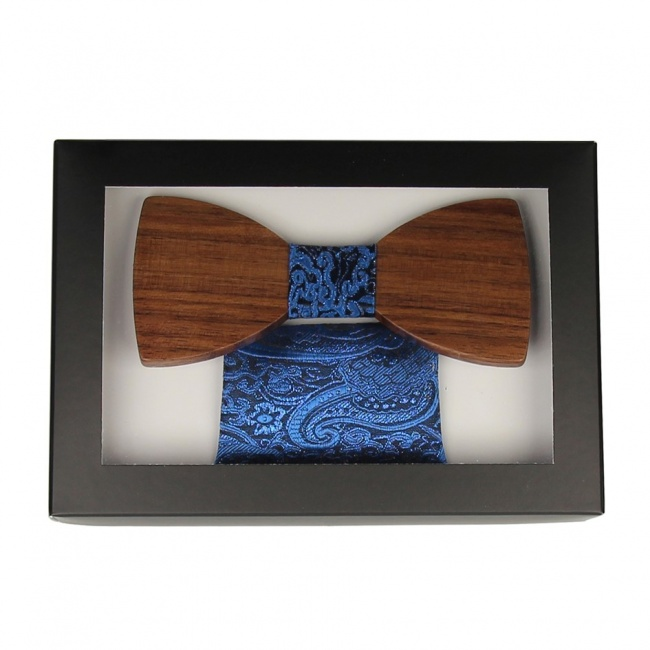 Modrý dřevěný motýlek v krabičce