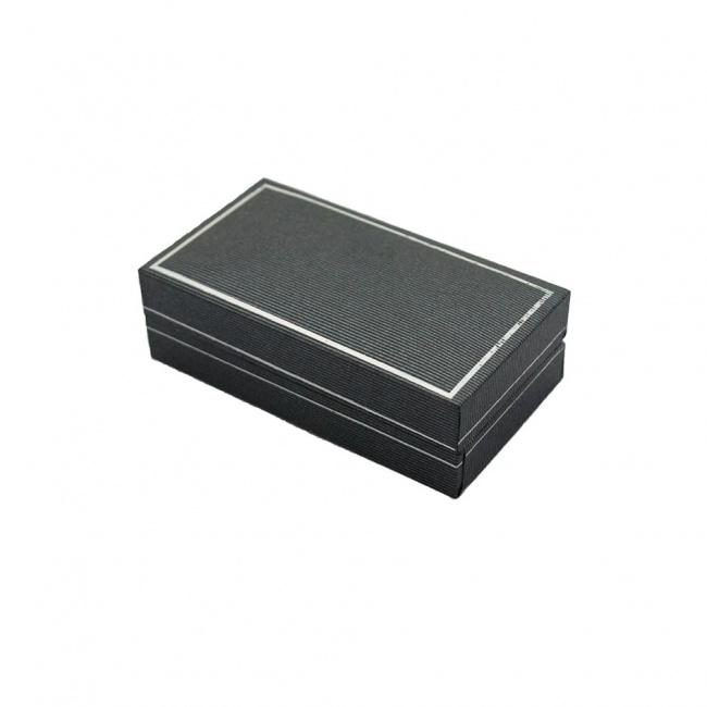 Tmavě šedá krabička na manžetové knoflíčky se stříbrným okrajem
