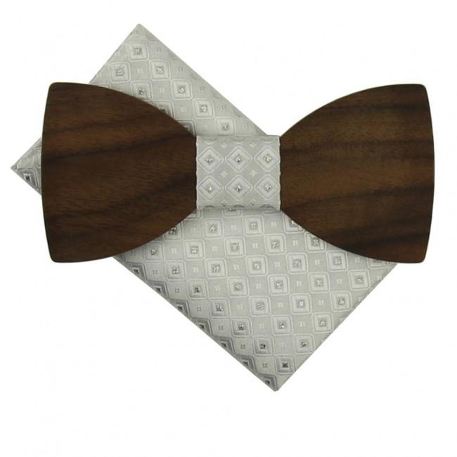 Bílý dřevěný motýlek