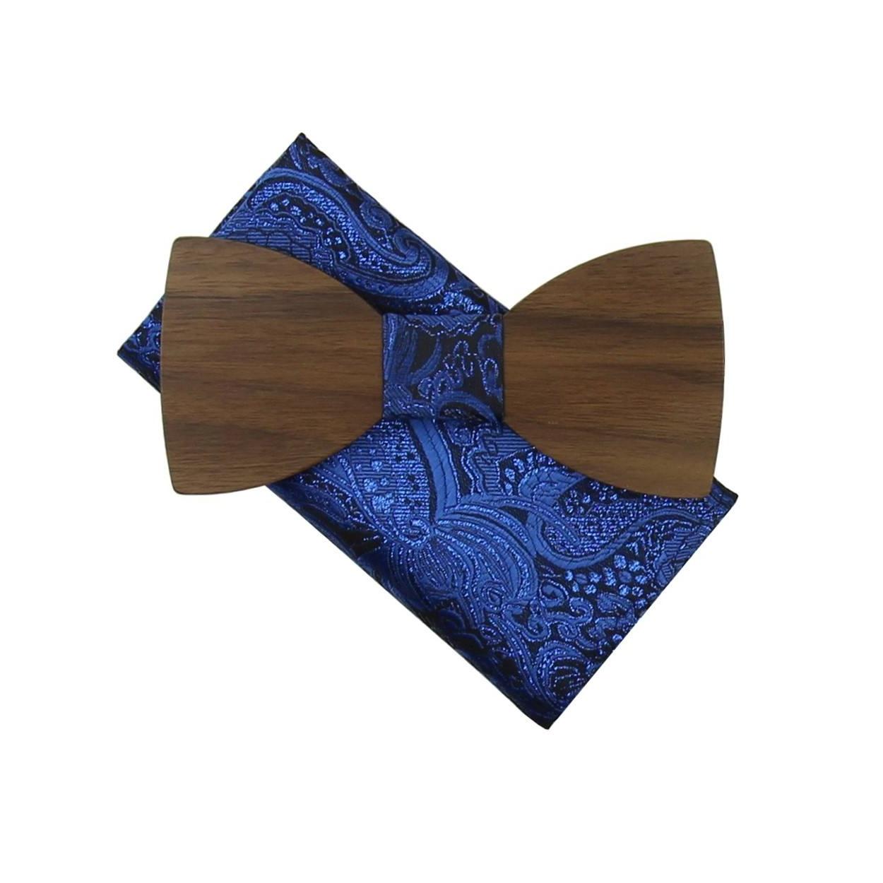 Modrý dřevěný motýlek