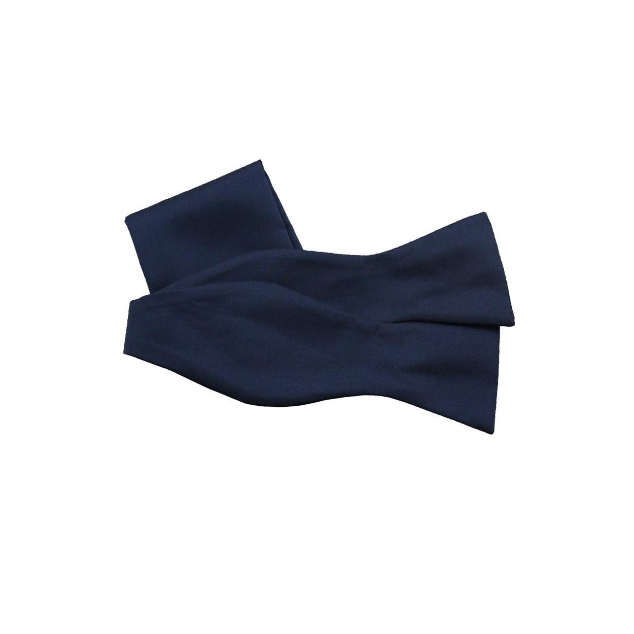 Tmavě modrý vázací motýlek s kapesníčkem