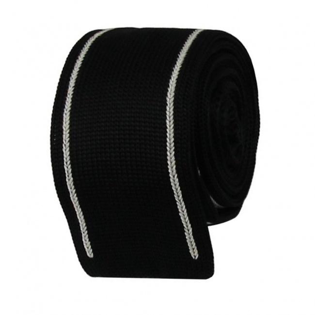 Černá pletená kravata s bílými pruhy
