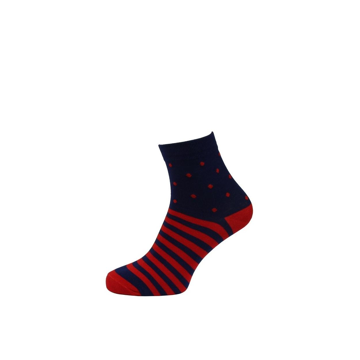 Tmavě modré pánské ponožky s červenými pruhy a puntíky